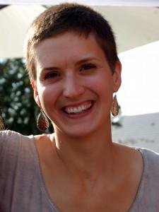 Anne-Frédérique doula traductrice de bébé portage chant prénatal signer avec bébé accompagnement naissance grossesse
